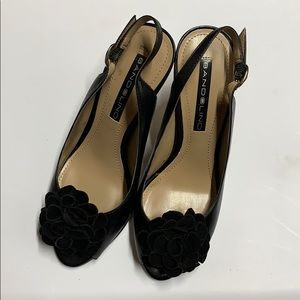 Bandolino black sligback heels black 5 like new